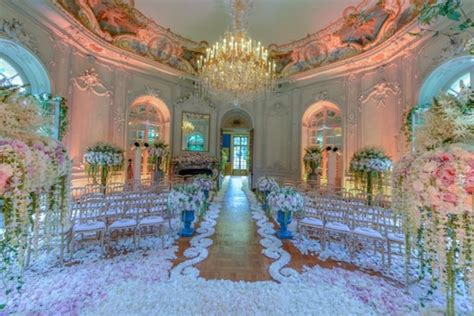 Wedding Aisle Flower Petal Designs by Designing With Flowers Fresh Petals The Aisle
