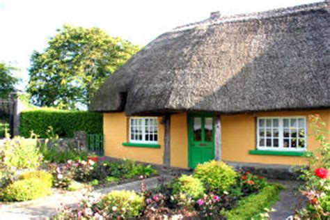 cottages ireland rent authentic thatched cottage for rent in adare