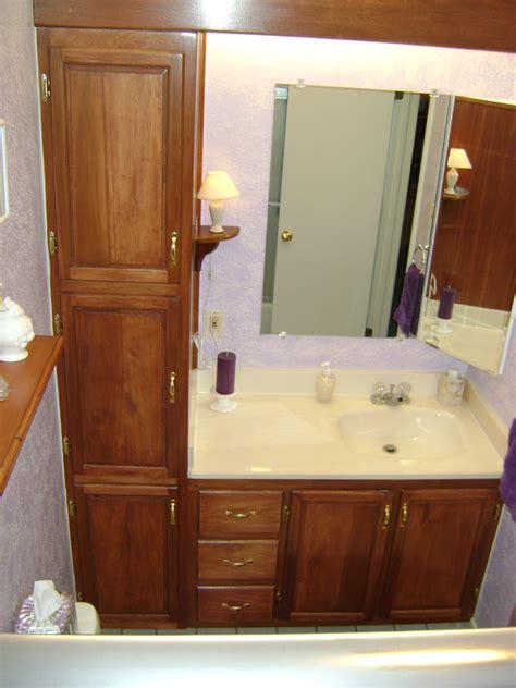Bathroomvanity with linen cabinet
