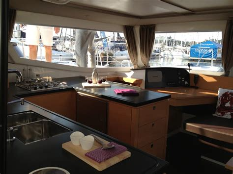 trimaran vs catamaran vs monohull multihulls vs monohulls advantages catamarans