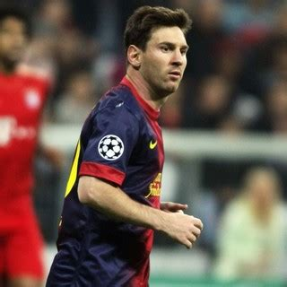 lionel messi pictures with high quality photos