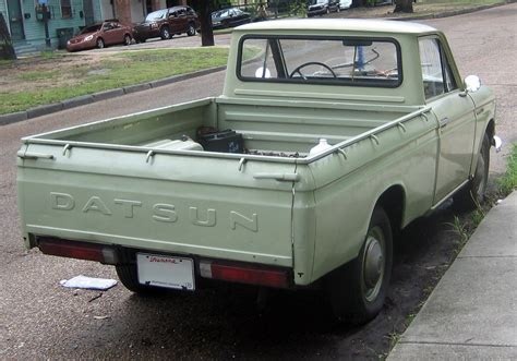 datsun pickup file datsun 1300 pickup jpg wikimedia commons