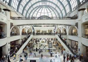 Dubai S Mall Of The Emirates Fuels The Shopping Cult
