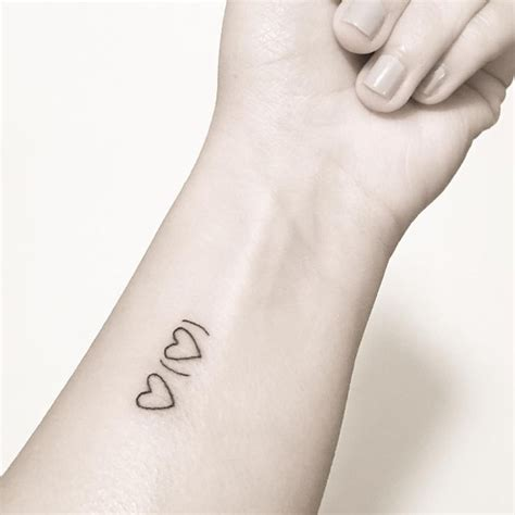 i carry your heart tattoo 25 best ideas about ee on ee