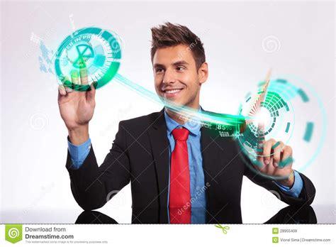 imagenes libres negocios hombre de negocios en su escritorio que toma decisiones