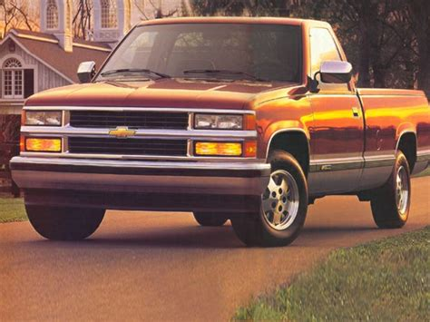 chevrolet  specs safety rating mpg carsdirect