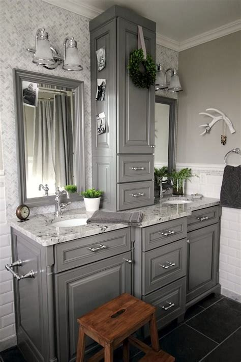 Best Bathroom Makeovers by Best 25 Small Bathroom Makeovers Ideas On A Budget