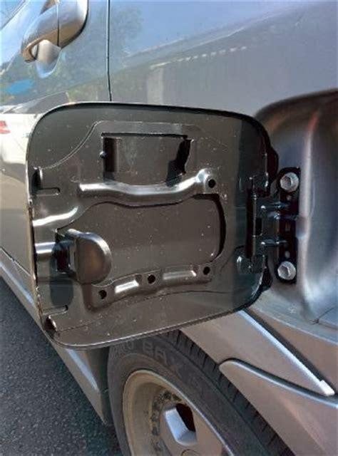Cover Handle Outer Dan Tutup Bensin Sigra 1 ganti tutup tangki bensin aerio dan per pegas pembuka ardiansyah