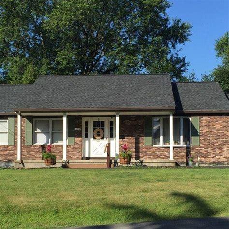 28 brick ranch house color sportprojections com 28 green accent with brick brick sportprojections com
