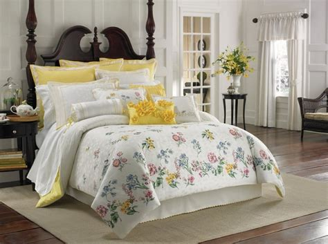 yellow and gray bedroom curtains gray and yellow bedroom theme decorating tips