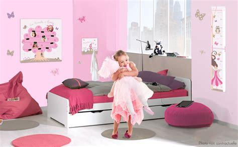 d馗oration de chambre pour fille decoration princesse pour chambre fille