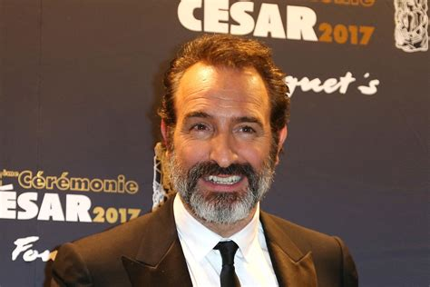 jean dujardin new film jean dujardin to star in luc besson s the french
