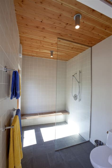 anyone experience with wood ceiling in the bath
