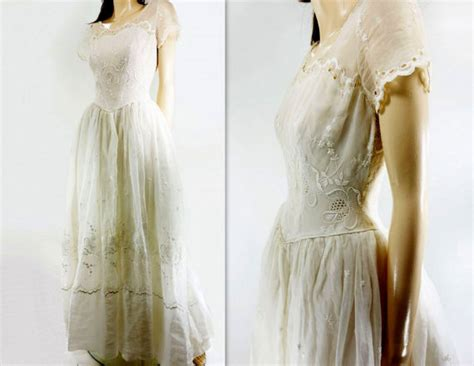 Vintage Cotton Wedding Dresses by 60s Wedding Dress Vintage Wedding Cotton Organza Scalloped