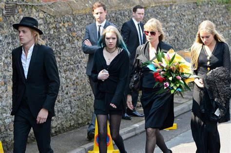 hasidic wedding scandals rufus tiger taylor pictures funeral held for peaches