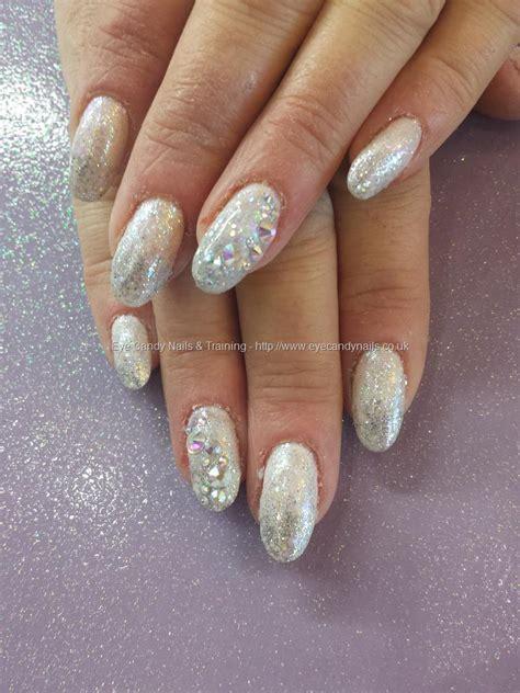Silber Nägel by Eye Nails White And Silver Glitter Fade