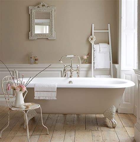 Pretty Bathroom by Pretty Bathrooms