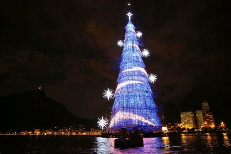 christmas trees in brazil how is celebrated around the world