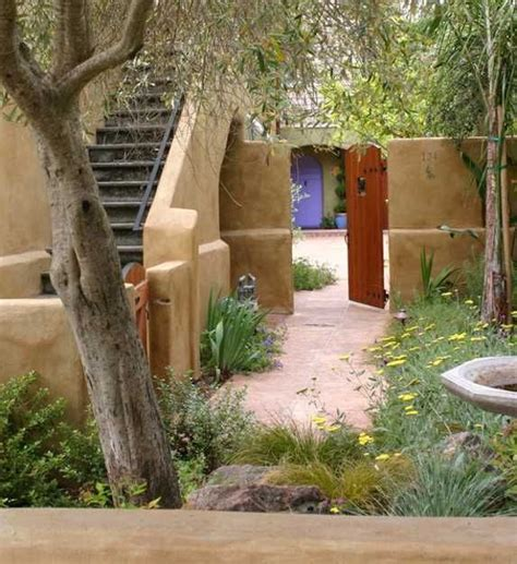 Tuscan Inspired Backyards by Beautiful Landscaping Ideas And Backyard Designs In And Itali