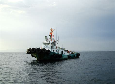 tugboat philippines asisbiz tugboats tugboat altair wwwharborstarcomph