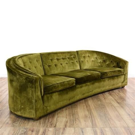 olive green velvet sofa 25 best ideas about velvet tufted sofa on pinterest