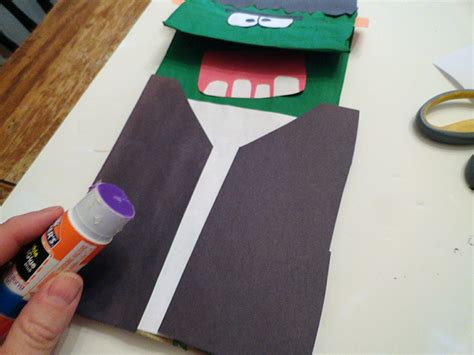 How To Make A Paper Bag Puppet - how do you make a paper bag puppet