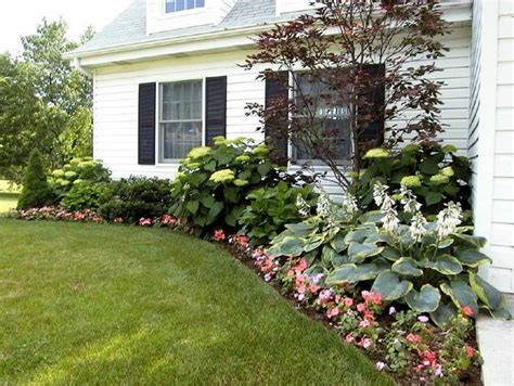 flower beds  house foundation landscaping  house