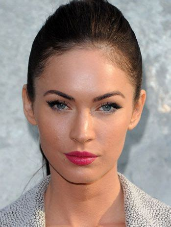 megan foxs makeup how to get her skin bold lip exact look megan fox love the pink lips with her blue eyes makeup