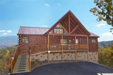 4 bedroom cabins in gatlinburg tn gatlinburg tennessee usa luxurious 4 bedroom family