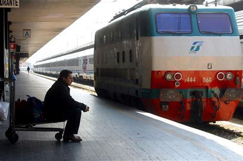 sciopero usb di treni e 187 trenord sciopero generale usb tra le 9 e le 17 di