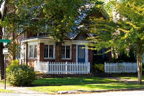 living the american with a white picket fence