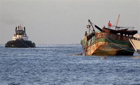 fishing boat jobs in hawaii salvage team sinks fishing boat off hawaii reef 710 knus