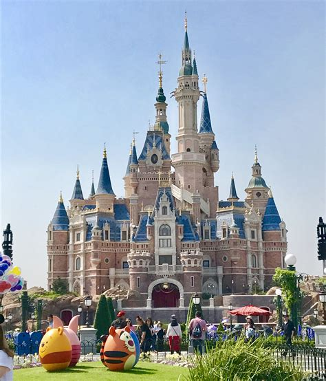 disney shanghai shanghai disneyland review tips introverty duo