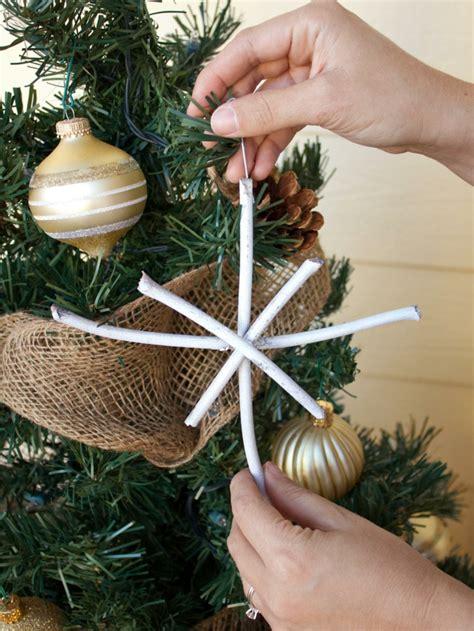 como decorar un arbol de navidad con adornos caseros