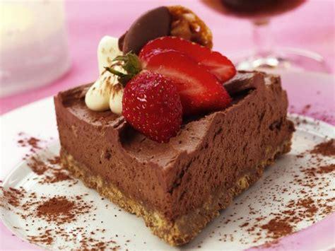 kuchen rezepte mit löffelbiskuit mousse au chocolat kuchen mit erdbeeren rezept eat smarter