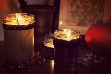 weiße kerzen im glas vegan diy samhain kerzen selber gie 223 en vegan