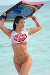 Jennifer nicole lee miss maglietta bagnata con il seno in see through