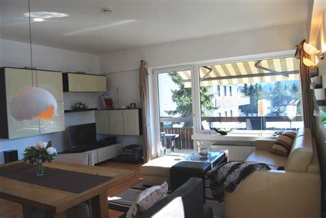 wohnzimmer 25 qm einrichten appartement alpenpanorama in seefeld tirol