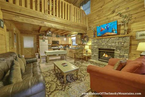 4 bedroom cabins in gatlinburg tn astounding 4 bedroom cabins in pigeon forge you should