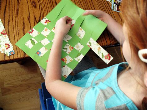 How To Make Mat With Paper - classic craft paper weaving make and takes