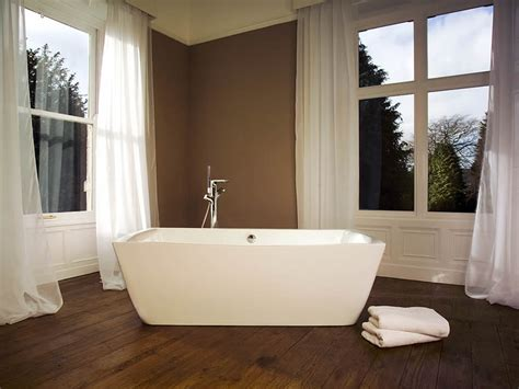Soaking In Bathtub Benefits by The Benefits Of A Japanese Soaking Bath Cabuchon