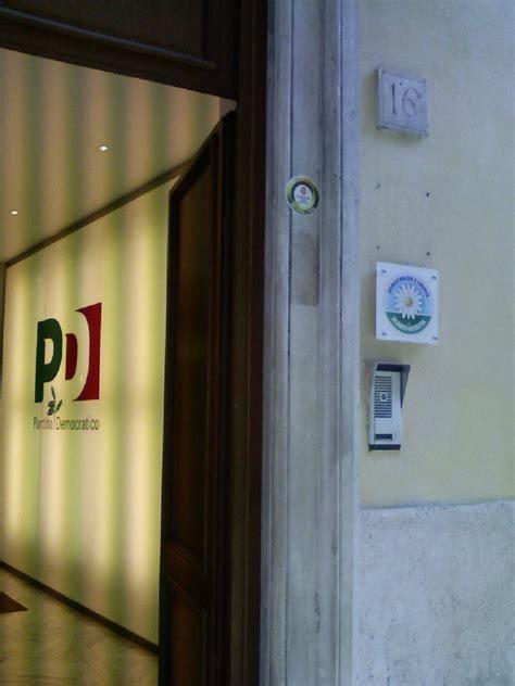 sede nazionale pd i no tav arrivano a roma occupata la sede nazionale