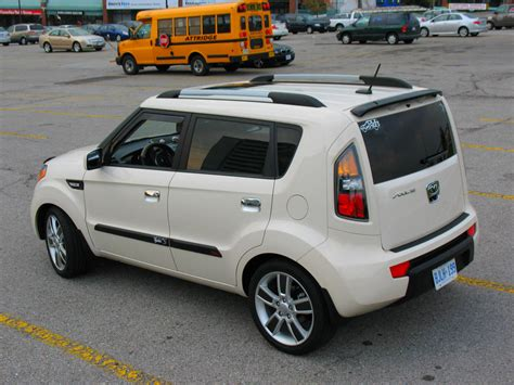 Roof Rack Kia Soul by What S The Black Strips On Roof