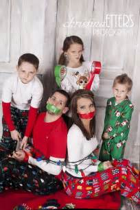 picture ideas for families 20 fun and creative family photo ideas 2017