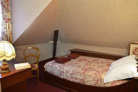 chambre hote tours centre hotel a tours d 233 couvrez la chambre masard 233 e du manoir 224