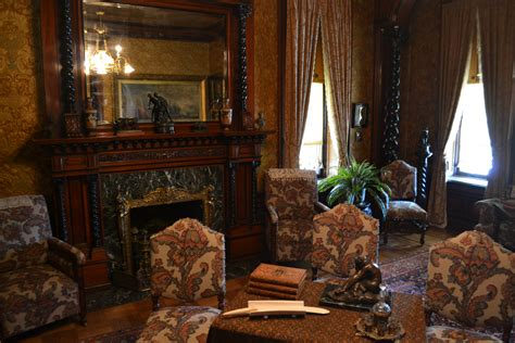 file dining room pabst mansion jpg wikipedia the best places to drink beer in milwaukee jason s travels