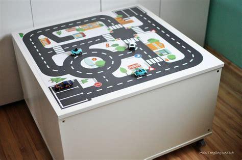 Ikea Hacks Kinderzimmer Spieltisch ikea kallax hack f 252 r das kinderzimmer diy spieltisch mit