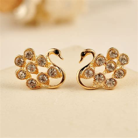 Gold Stud Earrings 31 model gold earrings studs for playzoa