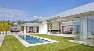 70s home transformed into modern beverly hills masterpiece modern house designs