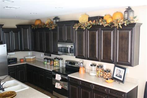 lanterns  top  kitchen cabinets home decor ideas